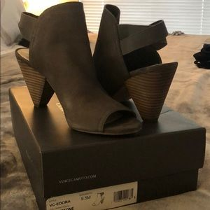 Vince Camuto Edora open toed shoes